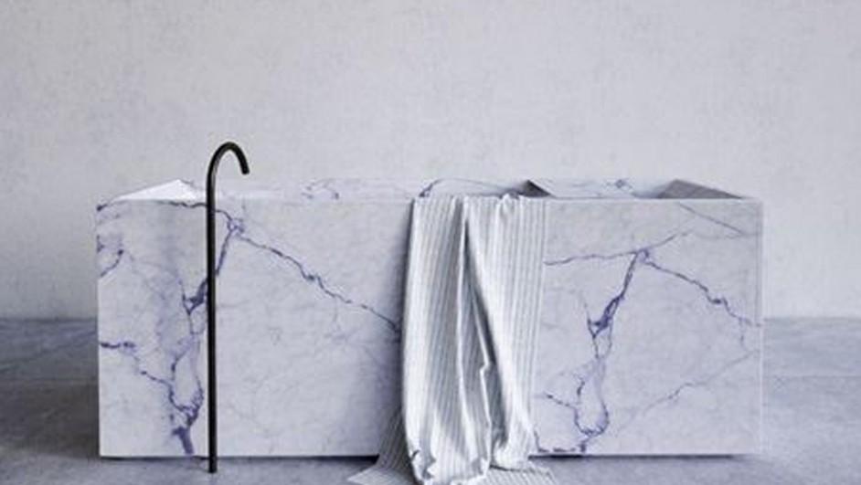 reformas en el bano con marmol blanco con vetas para bañera diariodesign