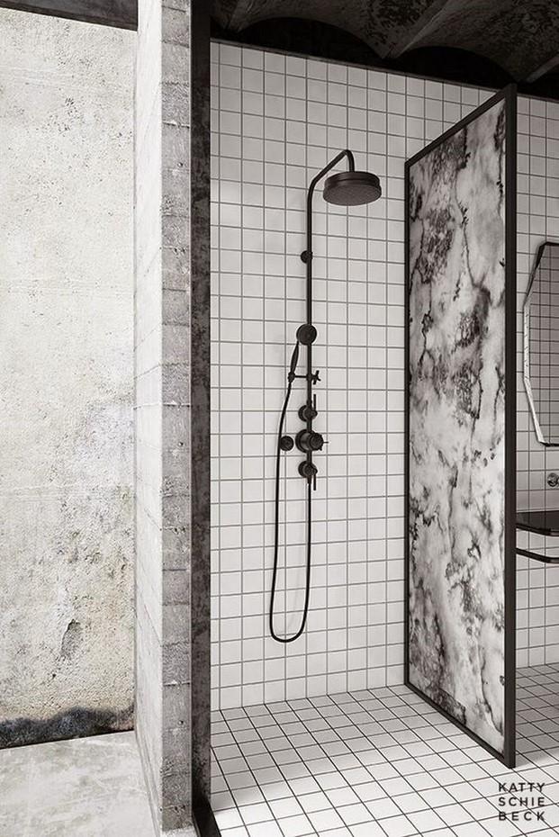 reformas en el bano con una ducha con marmol