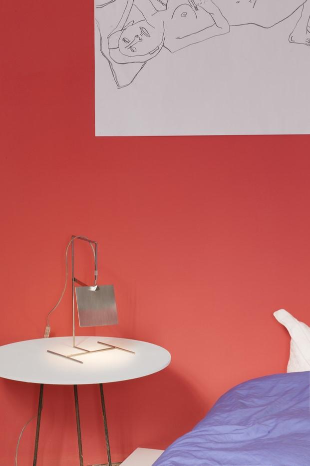lampara de mesa de mobles114 fil de alvaro siza presentada en milan