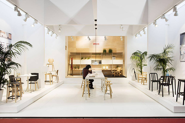 stand en milan de mobles114 en i saloni en milan made in spain diariodesign