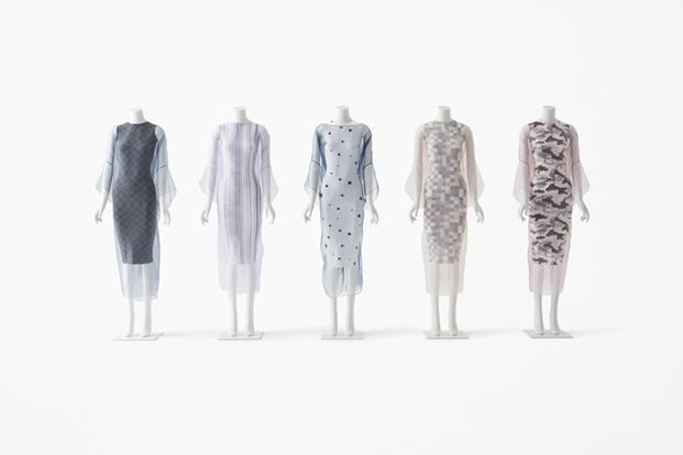 vestiod con estampados del estudio de diseño nendo para jil sander en milan