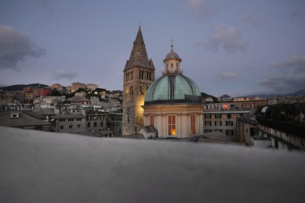 vista del centro historico de genova desde el hotel palazzo grillo diariodesign