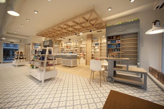interior de farmacia en zarautz por sube interiorismo