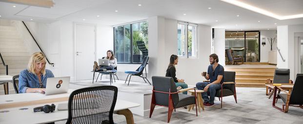 interior oficinas airbnb parís