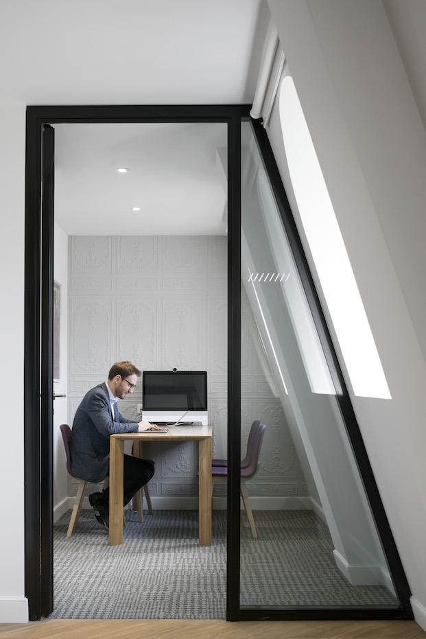 buhardilla oficinas airbnb parís