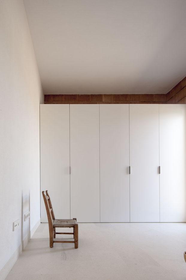 armario blanco de Can Xomeu Rita casa en formentera