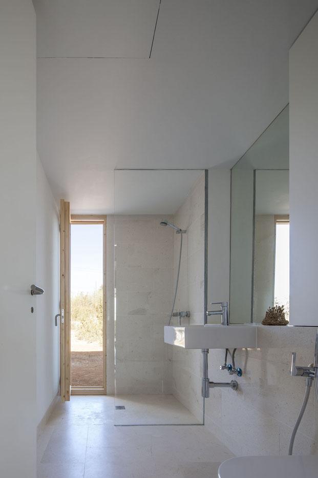 baño con luz de Can Xomeu Rita casa en formentera