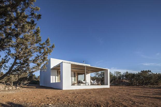 fachada de casa en formentera de arquitecto Marià Castelló Martínez