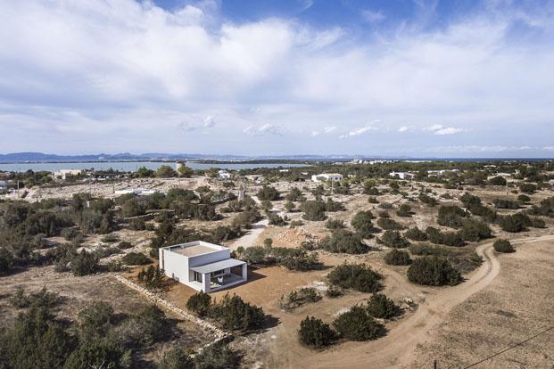 vista de casa en formentera de arquitecto Marià Castelló Martínez