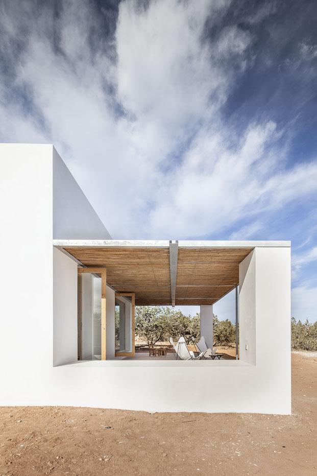 porche de casa en formentera de arquitecto Marià Castelló Martínez