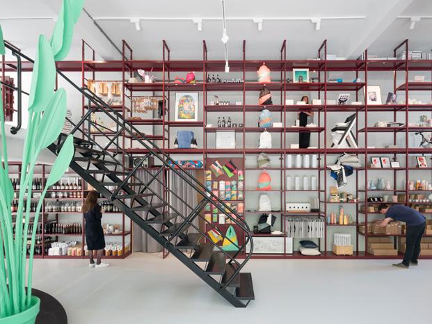 tienda en rotterdam diseñada por Hugh Maaskant