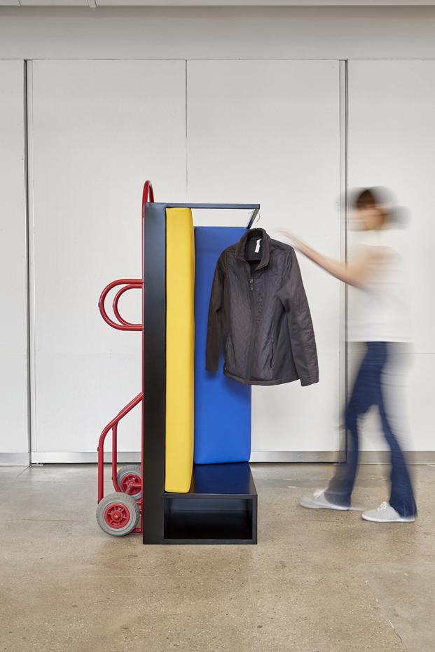 push pull vestidor con ruedas para muebles