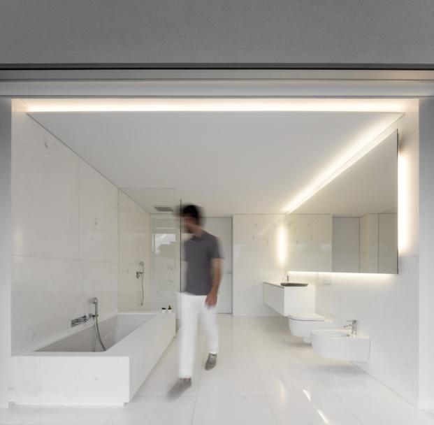 baño de casa en paterna de fran silvestre arquitectos