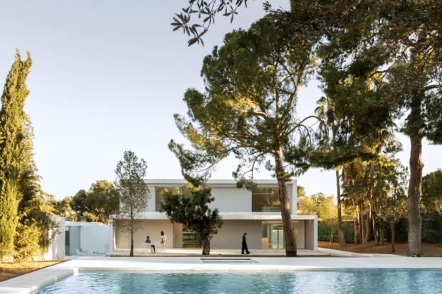 piscina de casa en valencia de fran silvestre arquitectos