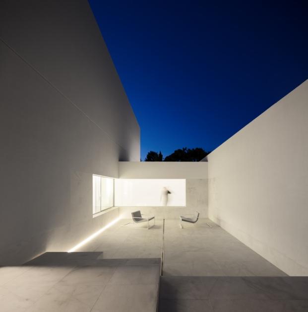 patio de casa en paterna de fran silvestre arquitectos
