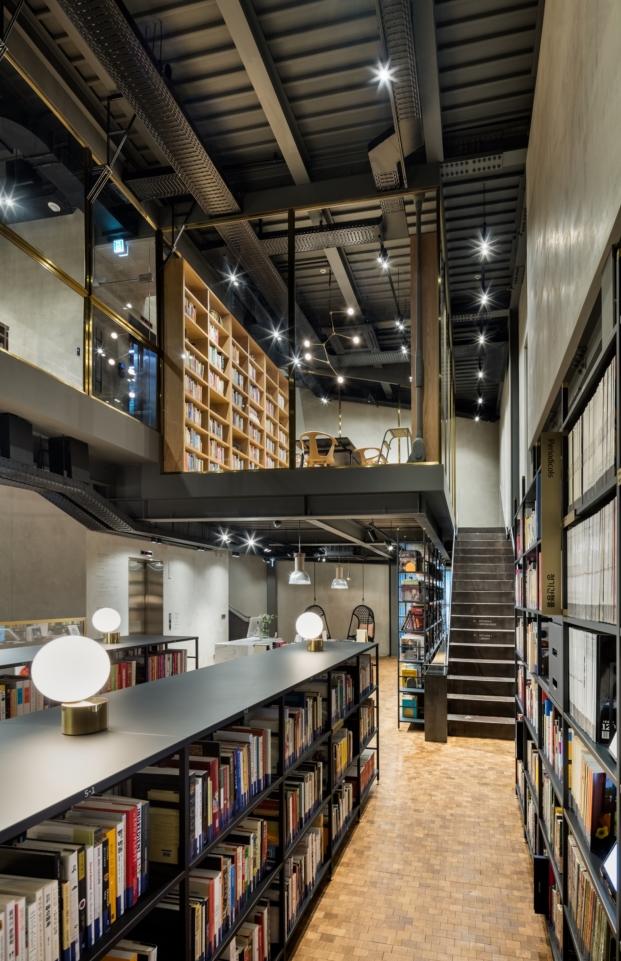 diseño de una biblioteca en seul por Blacksheep