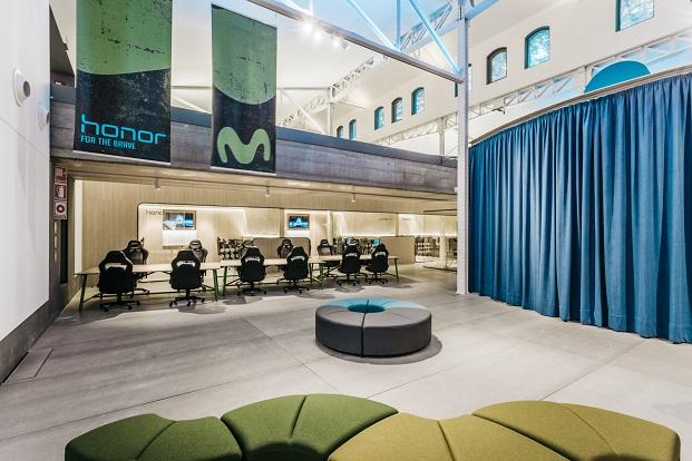 interior Movistar Gaming Center
