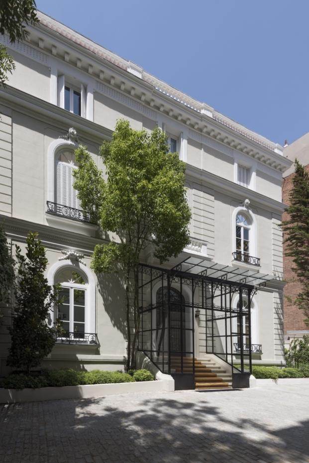 fachada de la Norman Foster fundation en madrid diariodesign