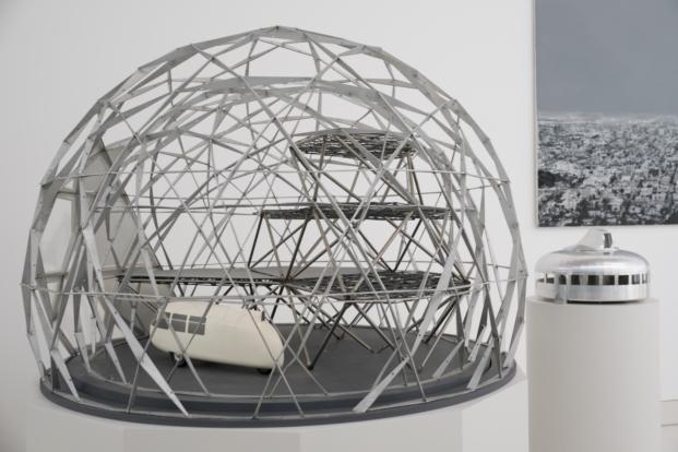 escultura en sede de norman foster foundation en madrid