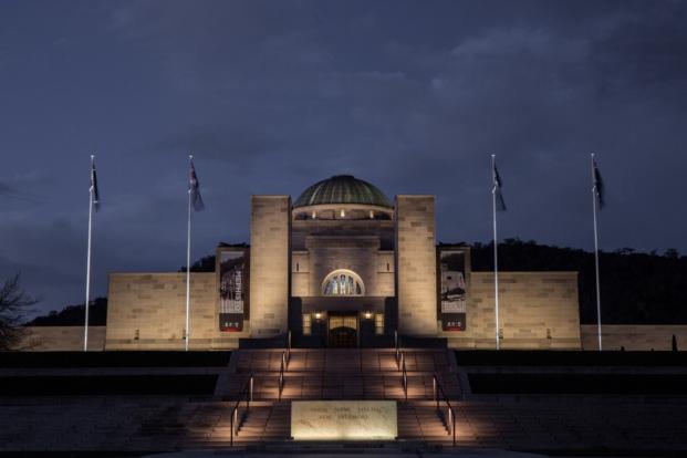 The Australian War Memorial ganador premios lamp lighting