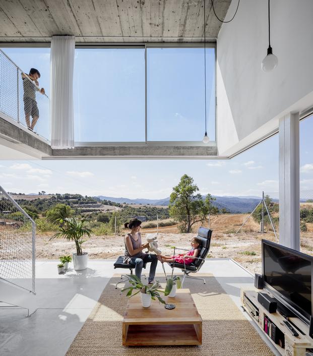 original casa con cerramientos de aluminio technal