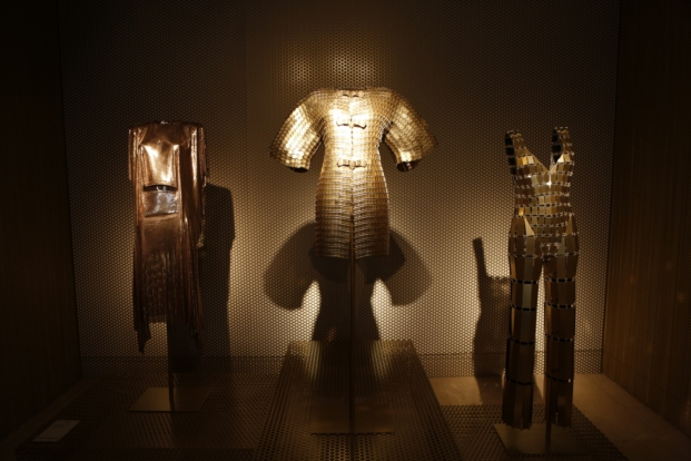 golden room en expo en madrid de paco rabanne