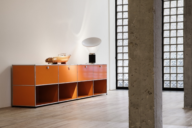 usm haller en el showroom de naharro Madrid