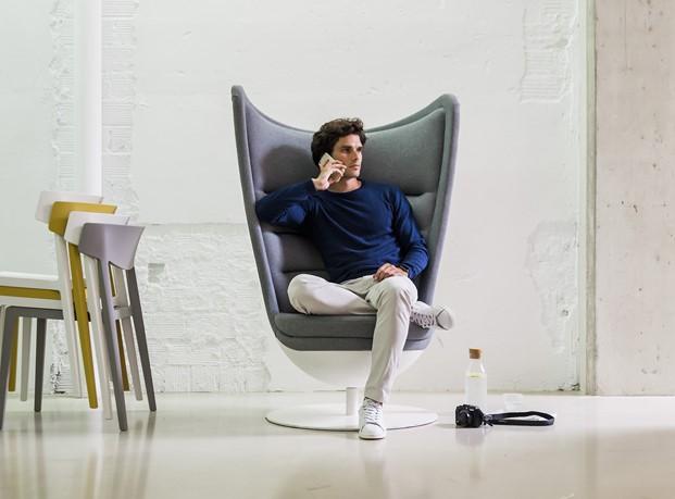 butaca badminton mobiliario de oficina Actiu premio nacional de diseño diariodesign