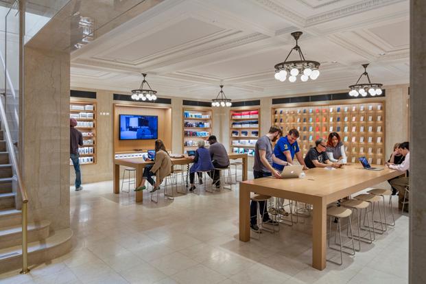 interior store apple en nueva york arquitecto Bohlin Cywinsky Jackson