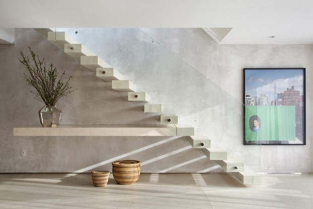 escalera pequeño dúplex BC Architecs RIO