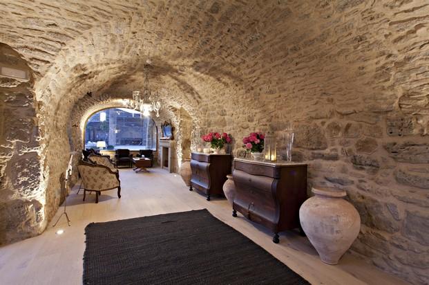 arquitectura medieval en la casa rural Hotel La Vella Farga en el solsones