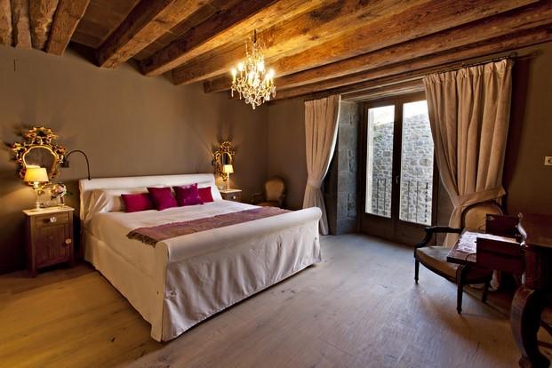 habitaciones en la casa rural Hotel La Vella Farga en el solsones