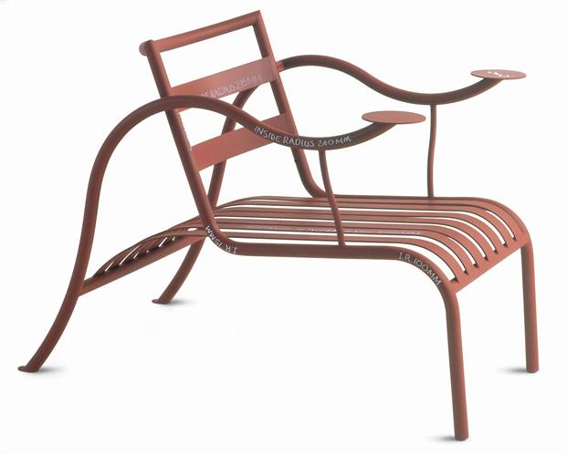 Thinking Man's Chair,de jasper morrison para Capellini en la exposicion Thingness Bauhaus en Berlin diariodesign