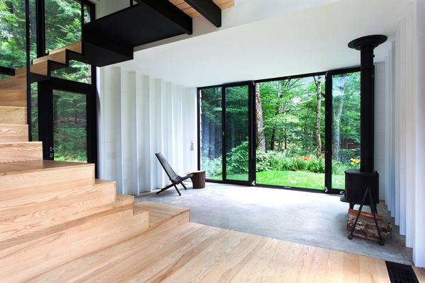 interior casas en el bosque La Colombiere en Quebec diariodesign