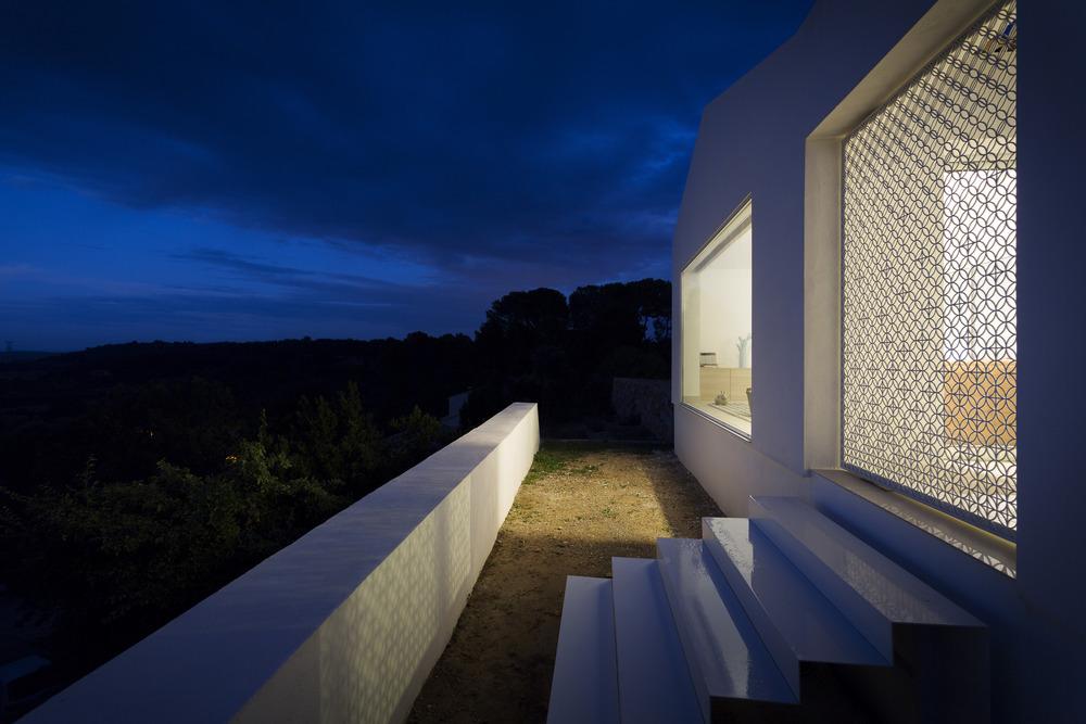 vista nocturna casas minimalistas en francia