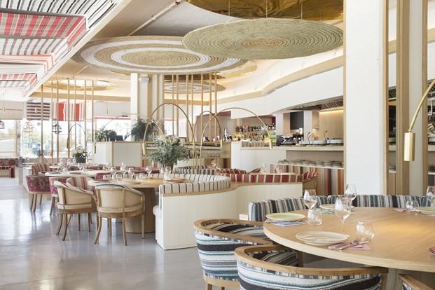 interior mediterraneo restaurante en la barceloneta mana diariodesign