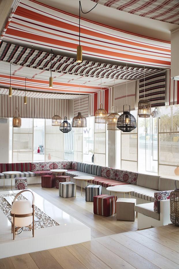 tapizados interior restaurante en la barceloneta mana diariodesign