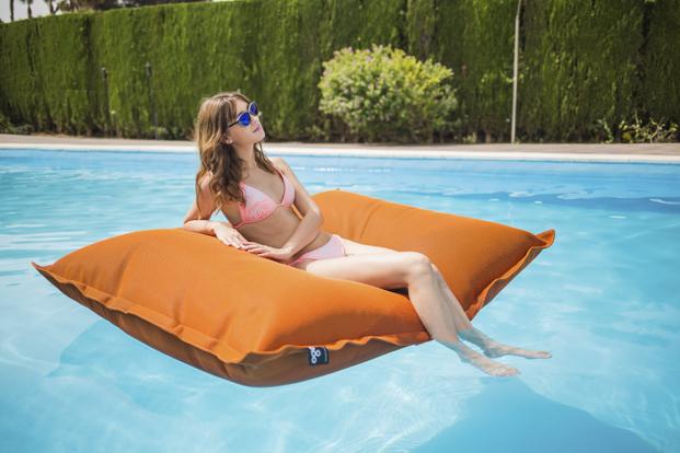 colchonetas CojínBigBag naranja diseños para verano en diariodesign