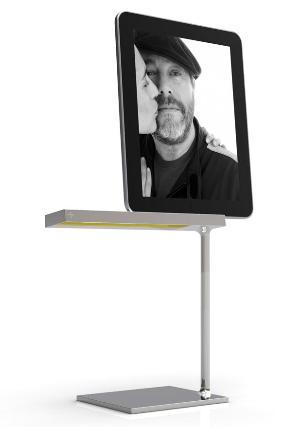 lampara en Pompidou Málaga coleccion inedita philippe starck