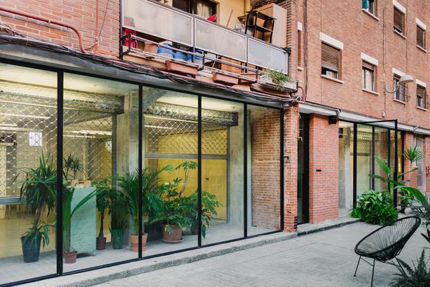 diseno barato fachadaTWIN TWIN Pepe Susin Gonzalo del Val fad arquitectura diariodesign