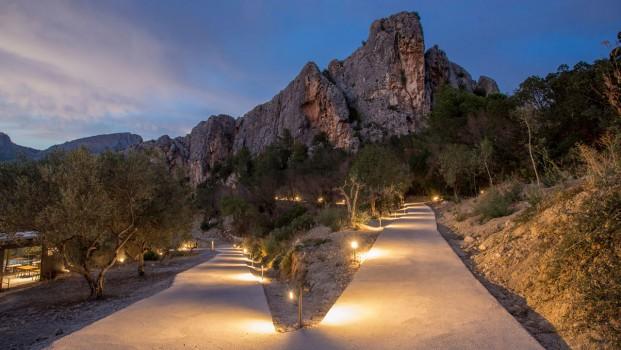 vista nocturna hotel paisaje vivood en alicante diariodesign