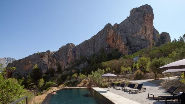 piscina hotel paisaje vivood en alicante diariodesign