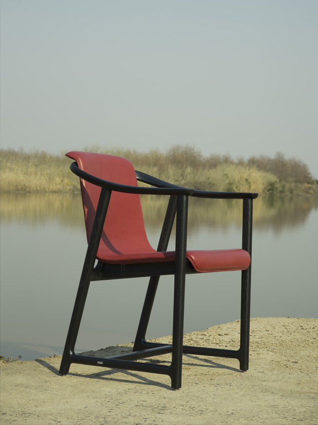 Mandarin by Neri&Hu silla en rojo Stellar Works en diariodesign