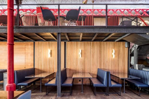 ambiente industrial en restaurante el mama la papa equipo creativo diariodesign