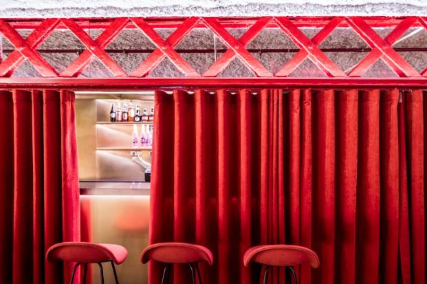 barra secreta en restaurante el mama la papa equipo creativo diariodesign