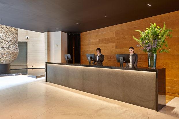 recepcion Gran Hotel Domine Foraster Arquitectos diariodesign