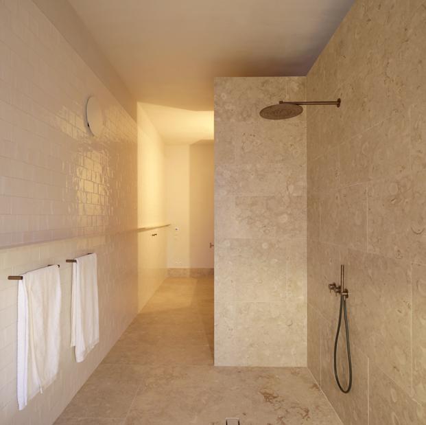cuartos de baño Hotel Santa Clara 1728 Aires Mateus diariodesign