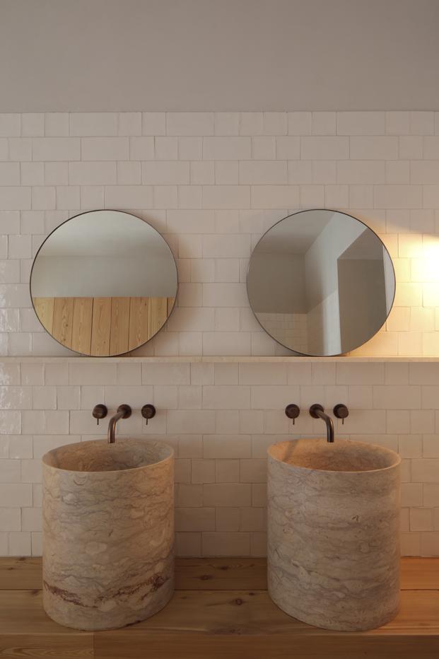 espejos baño hotel santa clara 1728 en lisboa aires mateus diariodesign