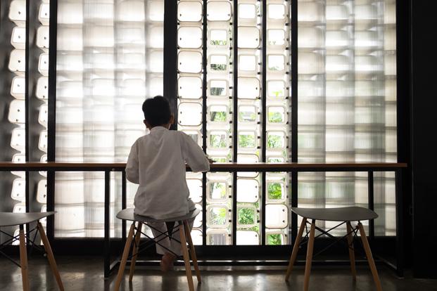 interior microbiblioteca Microlibrary Bima SHAU Indonesia diariodesign