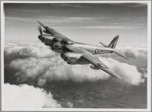 British de Havilland MosquitoPaimio Armchair de Alvar Aalto en el Victoria and Albert Museum